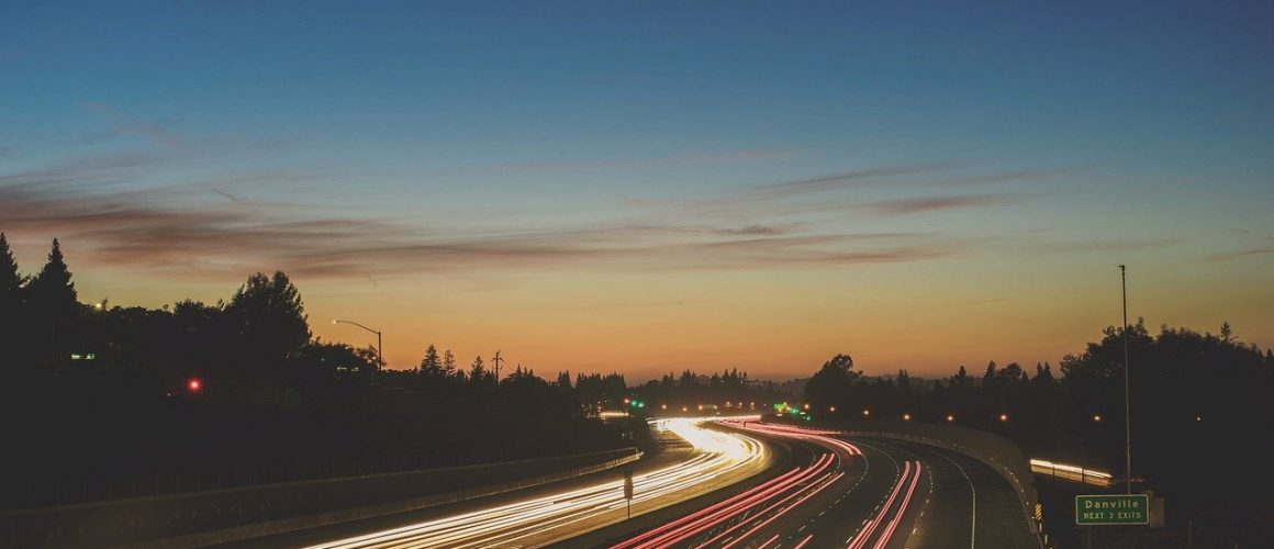 highway, speed, car-821487.jpg